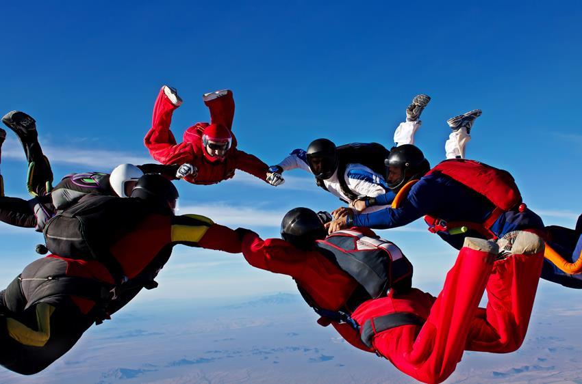 Skoki spadochronowe - jak wybrać firmę
