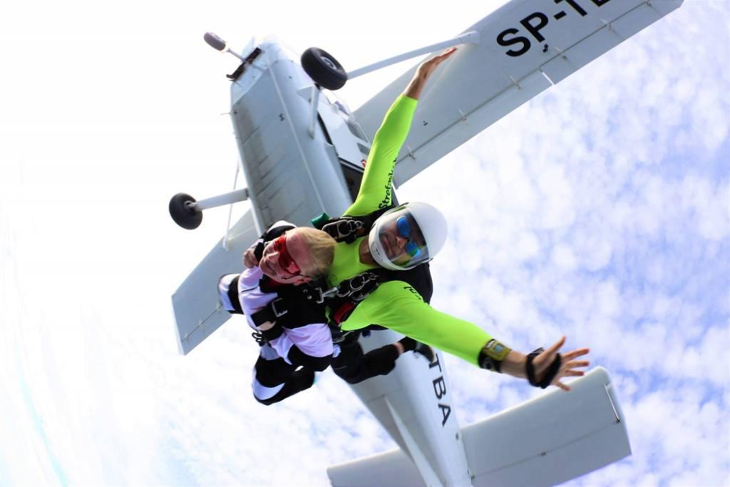 Wyskok z samolotu z spachodronem