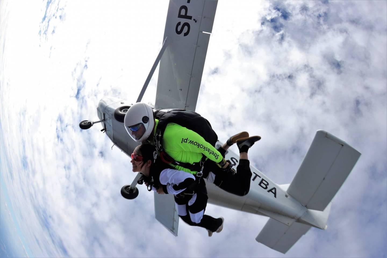 Skoki ze spadochronem w tandemie