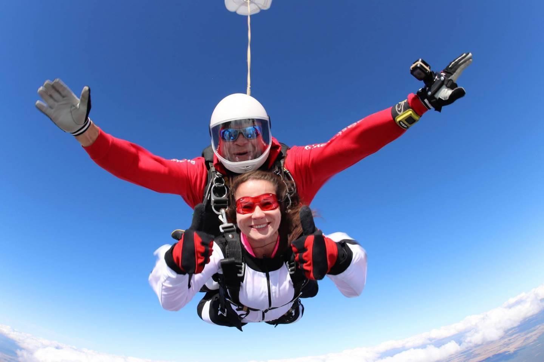Bezpieczny skok w tandemie na spadochronie